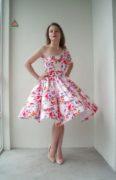 Красивое платье в цветочный принт Flowers
